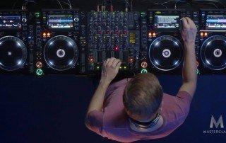 Armin van Buuren MasterClass - Neon Owl