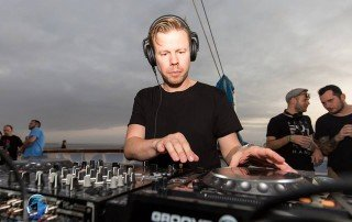 Ferry Corsten by Adam Hahn - Groove Cruise Neon Owl